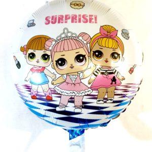 Куколки Лол изображены на фольгированном воздушном шаре
